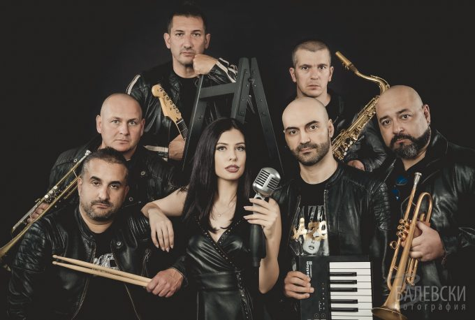 V-Bend – групата на Васко Чергов
